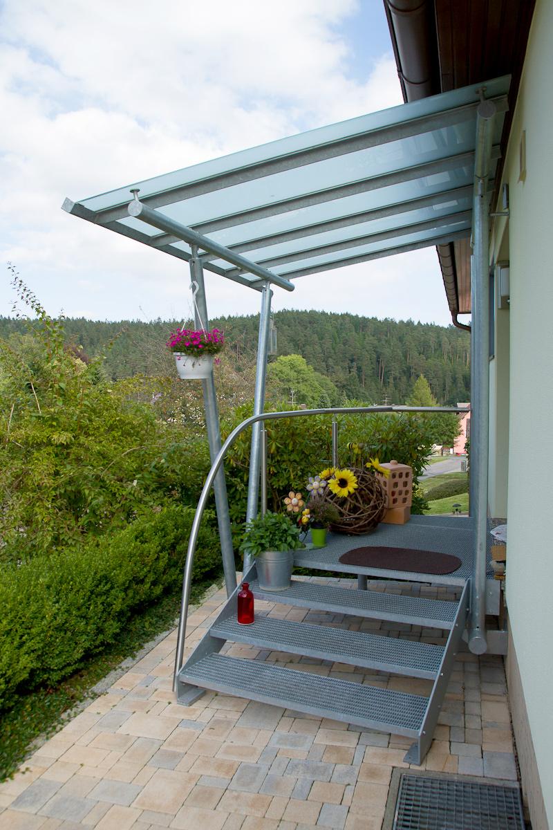 Vordach Eingangstreppe