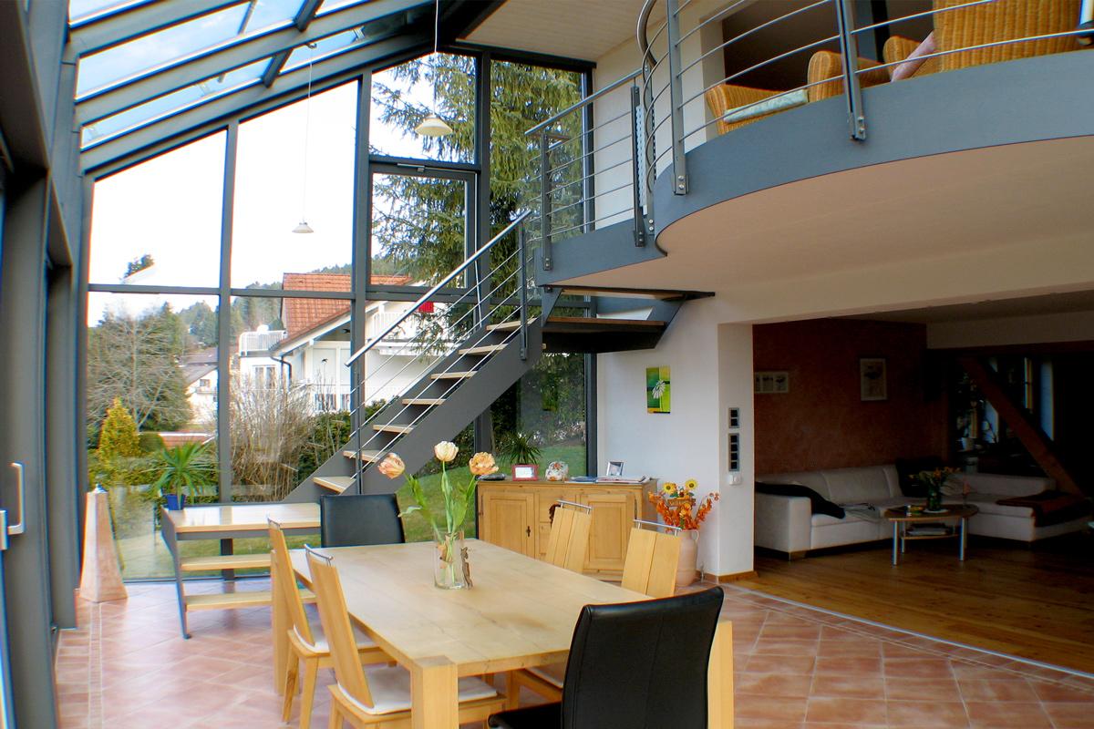 Innentreppe und Wintergarten