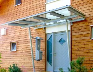 Vordach an Eingangstür